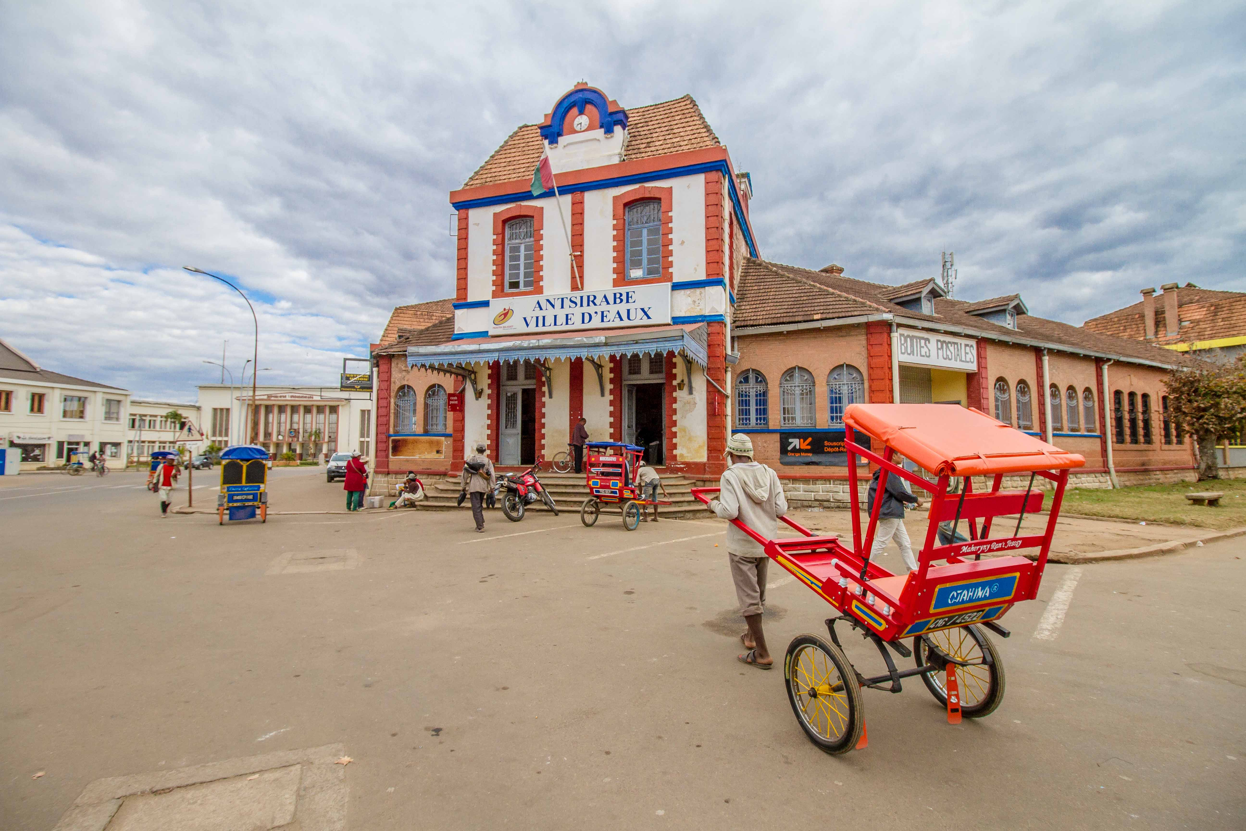 Madagascar - Antsirabe : Pousse Pousse BD (2)