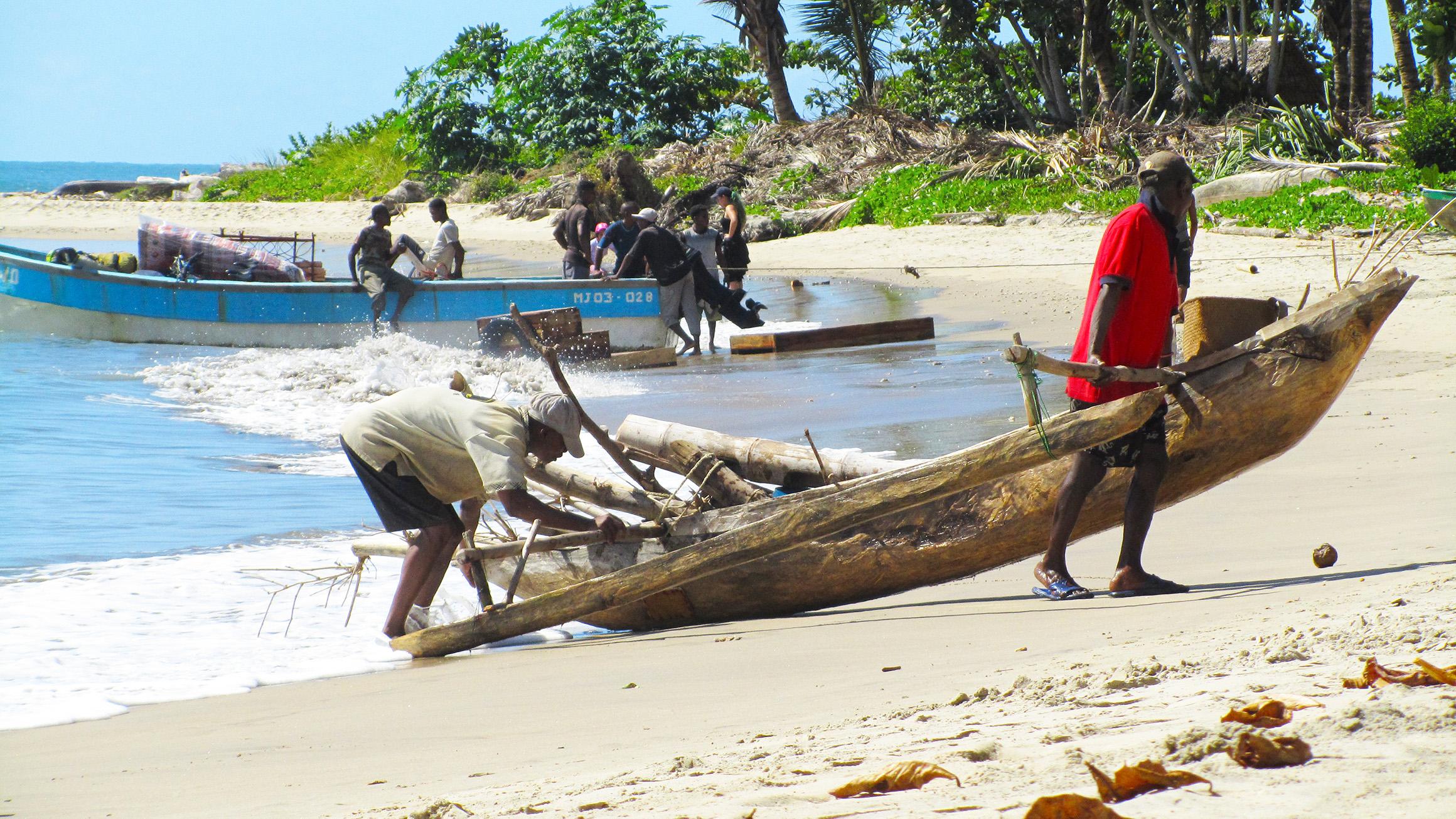 Sainte Marie - Pêcheurs qui rentrent de mer