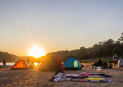 Tsiribihina - Lever du jour au campement
